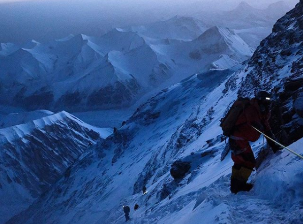 Descending Mount Everest after oxygen regulator malfunction (c) N. Beidleman